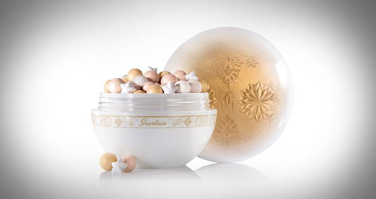 Guerlain Météorites Flocons Enchantés light enhancing powder for the face and the decolleté